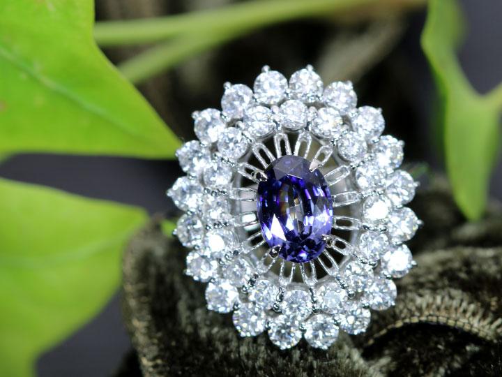 ★クーポンで40%OFF対象★ベニトアイト0.98ct 大粒の貫禄 豪華ダイヤモンド1.60ct取り巻き 稀少石 PT900 プラチナ リング・指輪 1点もの/Ycollectionワイコレクション/送料無料
