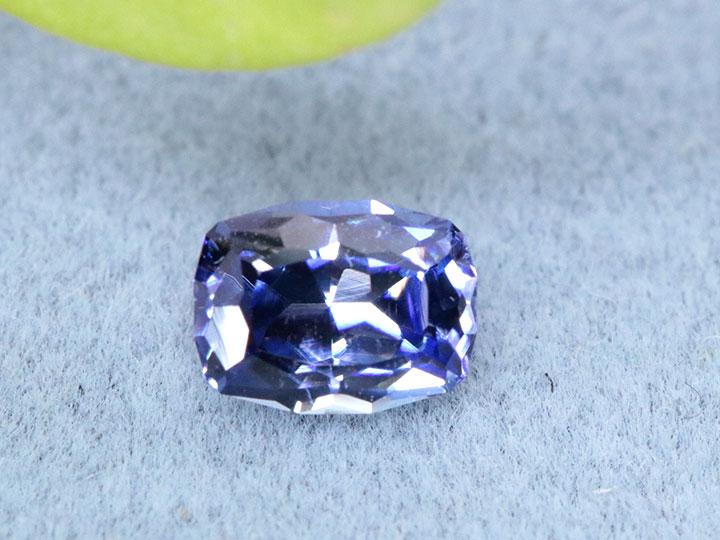 ★クーポンで20%OFF対象★ベニトアイト0.52tルース 裸石 loose 美しきファイヤに満ちた濃厚な彩 1点もの/Ycollectionワイコレクション/※クーポン対象外