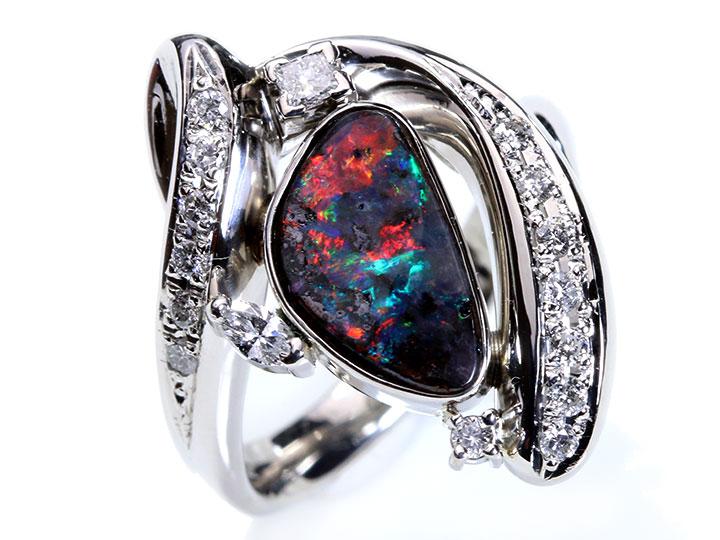 ★クーポンで40%OFF対象★赤斑ばっちり!ボルダーオパール2.36ct・ダイヤモンド0.41ct 肉厚PT900プラチナリング 指輪 1点もの/Ycollectionワイコレクション/送料無料