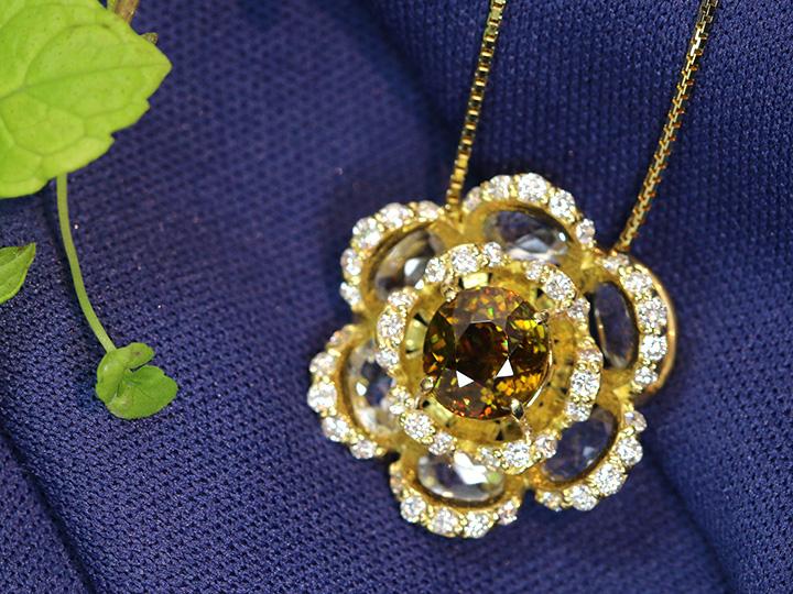 【本物保証】 ゴールデンスフェーン ネックレス ネックレス K18イエローゴールド 大粒ホワイトトパーズとダイヤモンドで華やかフラワーデザイン 1点もの/Ycollectionワイコレクション/送料無料, オガシ:7025b502 --- briefundpost.de