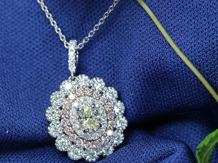 【スーパーSALE限定30%OFF 498000円⇒348600円へ!】照り良好 ダイヤモンド 0.303ct M VS2 ピンクダイヤモンド取り巻きのPT/WG/PGネックレス ソーティング付き 1点もの/Ycollectionワイコレクション/送料無料