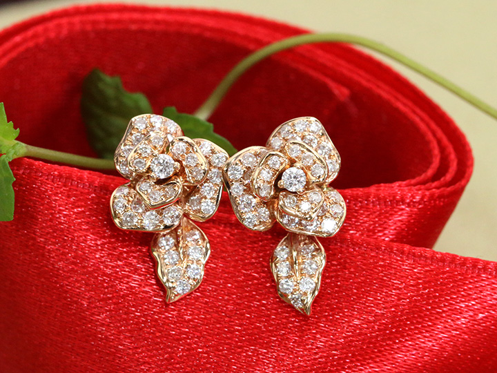 ★クーポンで40%OFF対象★立体的な花オーキッド(胡蝶蘭)K18PGピアス 耳元で立体的に煌めくフラワー ダイヤモンド0.53ct ピンクゴールド しっかりしたキャッチ付き 1点もの/