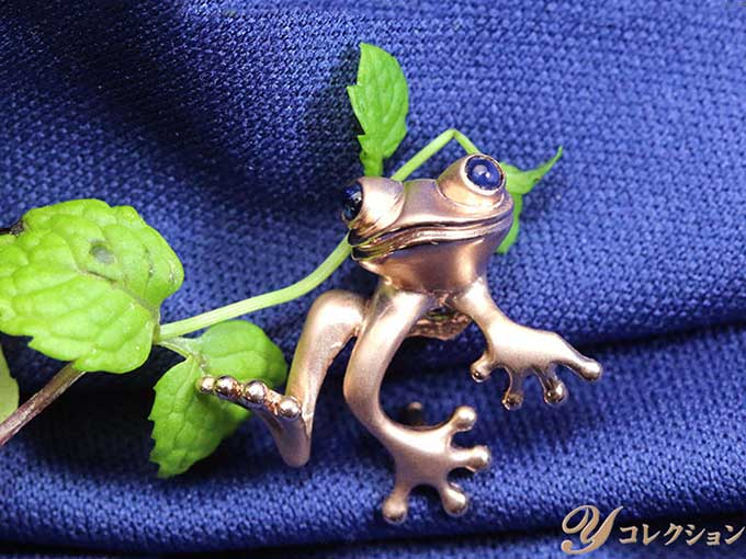 ★クーポンで20%OFF対象★蛙モチーフ 縁起物 ポケットに潜むカエルに思わず笑顔がもれる・・・SVピンタック ピンクゴールドカラー 受注品/Ycollectionワイコレクション/送料無料