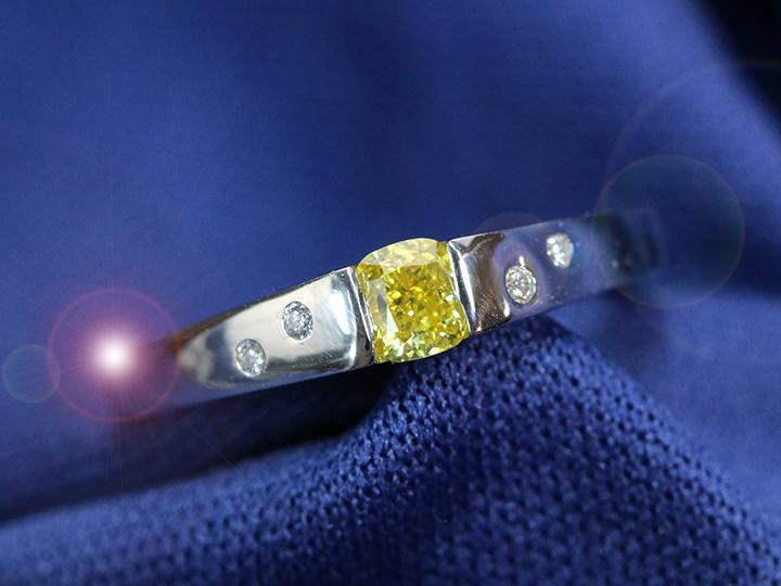 ★クーポンで40%OFF対象★イエローダイヤモンド 0.333ct FANCY VIVID YELLOW VS2 カラーダイヤ 明瞭な黄色 黄金色の煌めき ダイヤモンド0.035ct タンクデザイン PT900 プラチナ リング 指輪 ソーティング付 1点もの