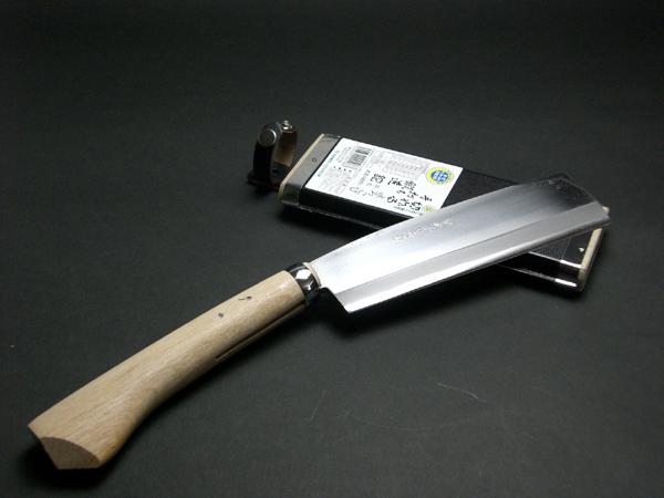 磨き抜かれた職人の技 切れるよろこび片刃鉈180