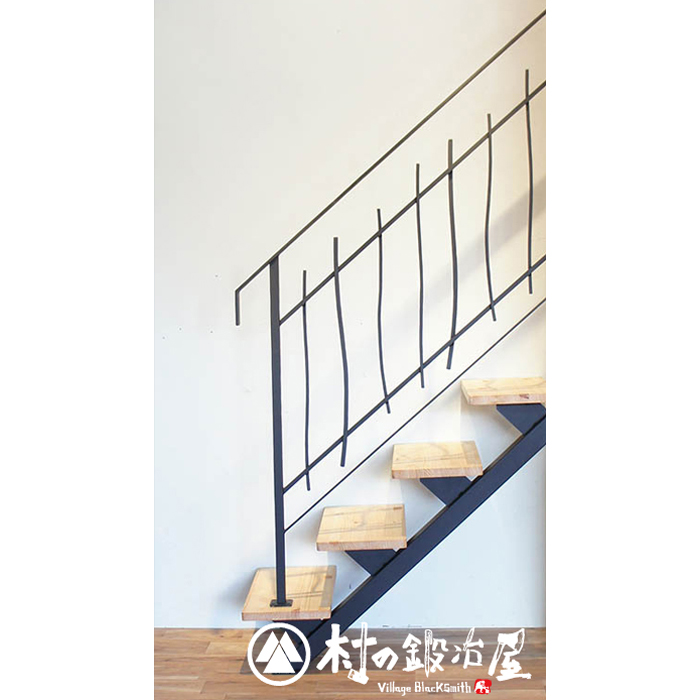 杉山製作所 FIT アイアンワークムク階段手摺A 4段タイプ MUK-1451SB鉄のポテンシャルを引き出したデザインが魅力の階段手摺黒色サラタッピングビス(M5×30)付属日本製メーカー直送のため代引不可