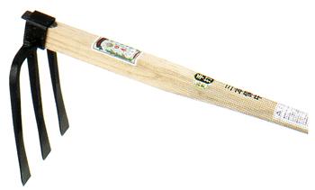 家庭菜園におすすめの鍬です ランキングTOP10 手打全鋼 三本鍬 大 15095刃のサイズ 本樫 200×230mm 春の新作シューズ満載 柄のサイズ : 900mm