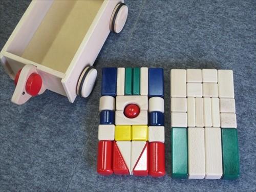コイデ東京 日本製 知育玩具 K31 まーるい積木安全性と知育性が高い本物志向の木のおもちゃ百貨店で販売されているおもちゃです