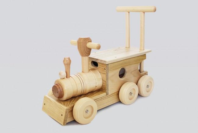 コイデ東京 日本製 知育玩具 (M23 汽車ポッポ)安全性と知育性が高い本物志向の木のおもちゃ百貨店で販売されているおもちゃです