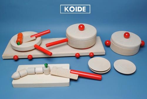 コイデ東京 日本製 知育玩具 M56 キッチンセット安全性と知育性が高い本物志向の木のおもちゃ百貨店で販売されているおもちゃです