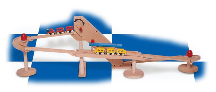 コイデ東京 日本製 知育玩具 M70 クルリンエキスプレス安全性と知育性が高い本物志向の木のおもちゃ百貨店で販売されているおもちゃです