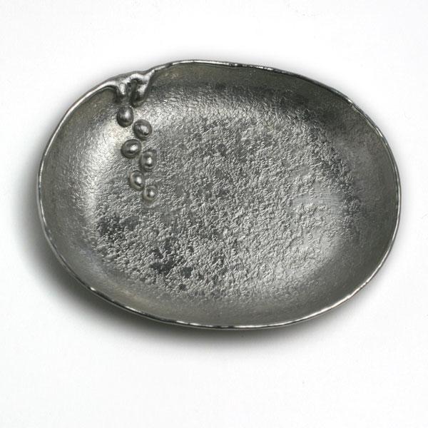 バレンタインデーのチョコを載せて 定価の67%OFF 10%OFF 錫器:錫たまり入 特大 雫 10.0cm》 ゆり工房《小皿 楕円皿