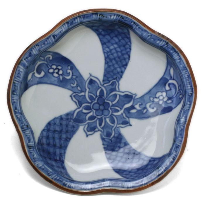 染付:祥瑞捻文梅形皿・須田菁華《小皿・15.2cm》