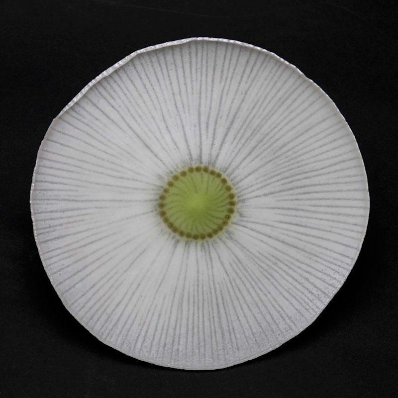 ガラス:薄皿・菊・白15.5cm・d.Tam《小皿・15.5cm》