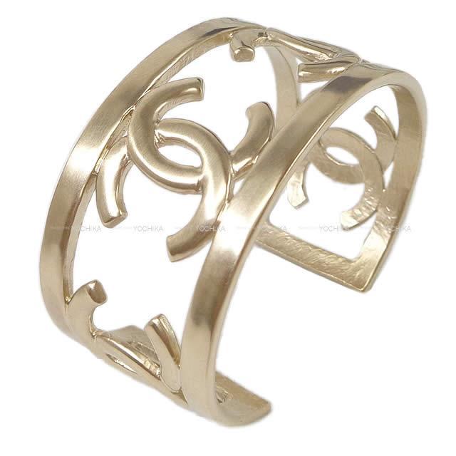 【ご褒美に★】CHANEL シャネル ココマーク バングル ブレスレット マットゴールド 新品未使用 (CHANEL Coco Mark Bangle Bracelet Mat Gold [Never Used][Authenic])【あす楽対応】#yochika