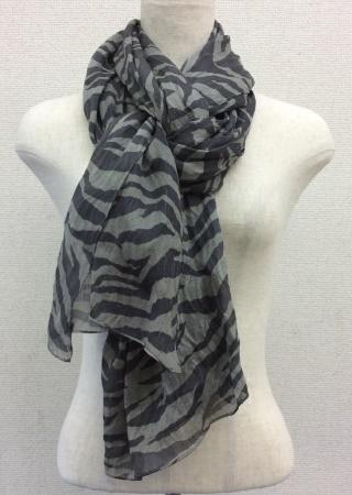 日本製シルク100%スカーフ職人技が光る逸品 横浜でプリントされたレディーススカーフ ゼブラ柄 ブラック