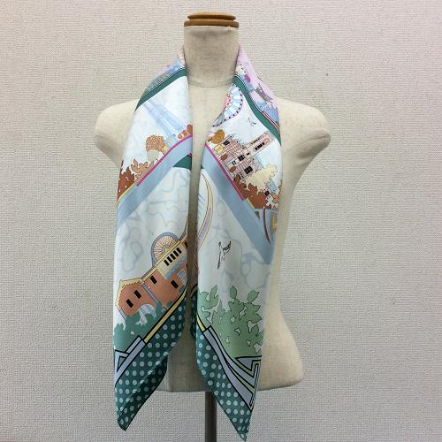 横浜の職人が染めた逸品横濱みなとみらいをデザインしたシルク100%のスカーフSEASON柄グリーン