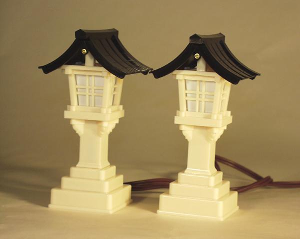 家庭の平和と繁栄を祈る神棚 灯篭 神具 デポー 一対 5号黒屋根 春日灯籠 ラッピング無料