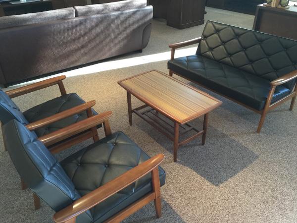 カリモク 合成皮革ソファー WS11 4点セット (1PX2 2P テーブル) 日本製 家具のよろこび 【店頭受取対応商品】