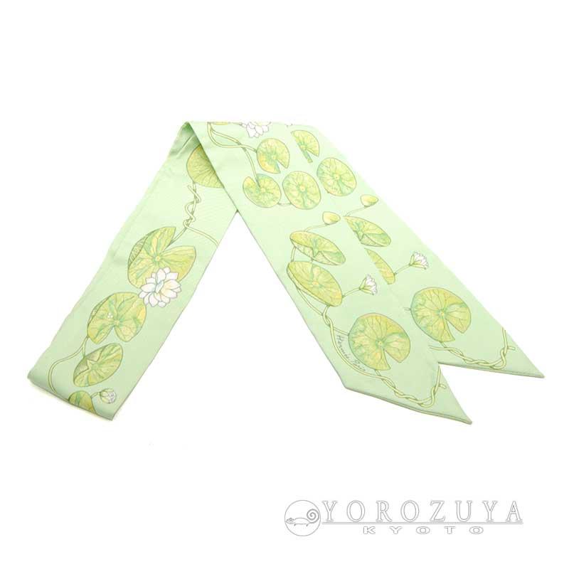 "HERMES エルメス ツイリー シルク ライトグリーン ""Jardin sur le Nil"" ナイルの庭 黄緑 ホワイト 花柄 ボタニカル柄 ツィリー リボンスカーフ 【中古】"