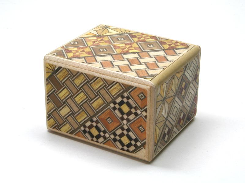 2020新作 寄木細工 2020 箱根寄木細工 組木秘密箱4回仕掛け 秘密箱