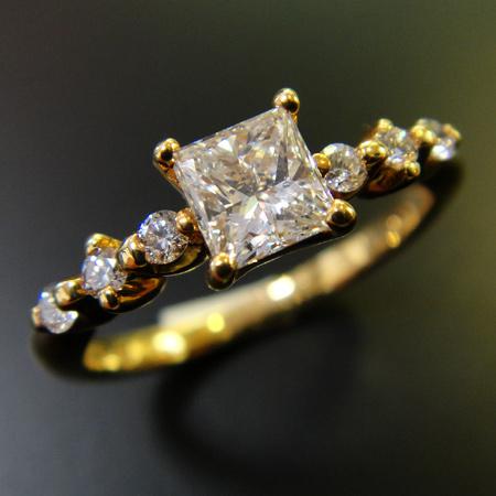 (あす楽)ファンシーズ K18ダイヤモンドリング  (スクエアシェイブ)カット  0.416ct  DTC(正規品)鑑定書付きサイズ12号(サイズ直し可)【送料無料】10P04Jun19