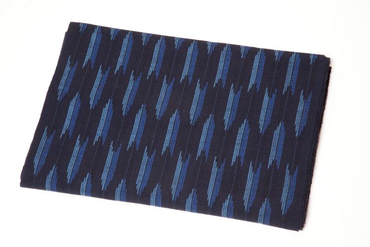 久留米絣の反物矢絣 15立て 紺系 約9m和柄 反物 久留米絣