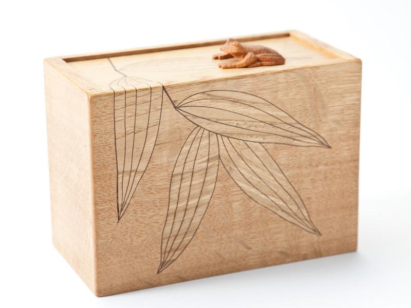 ビックリ箱(かえるとへび)【送料無料】<木工品><手づくり>