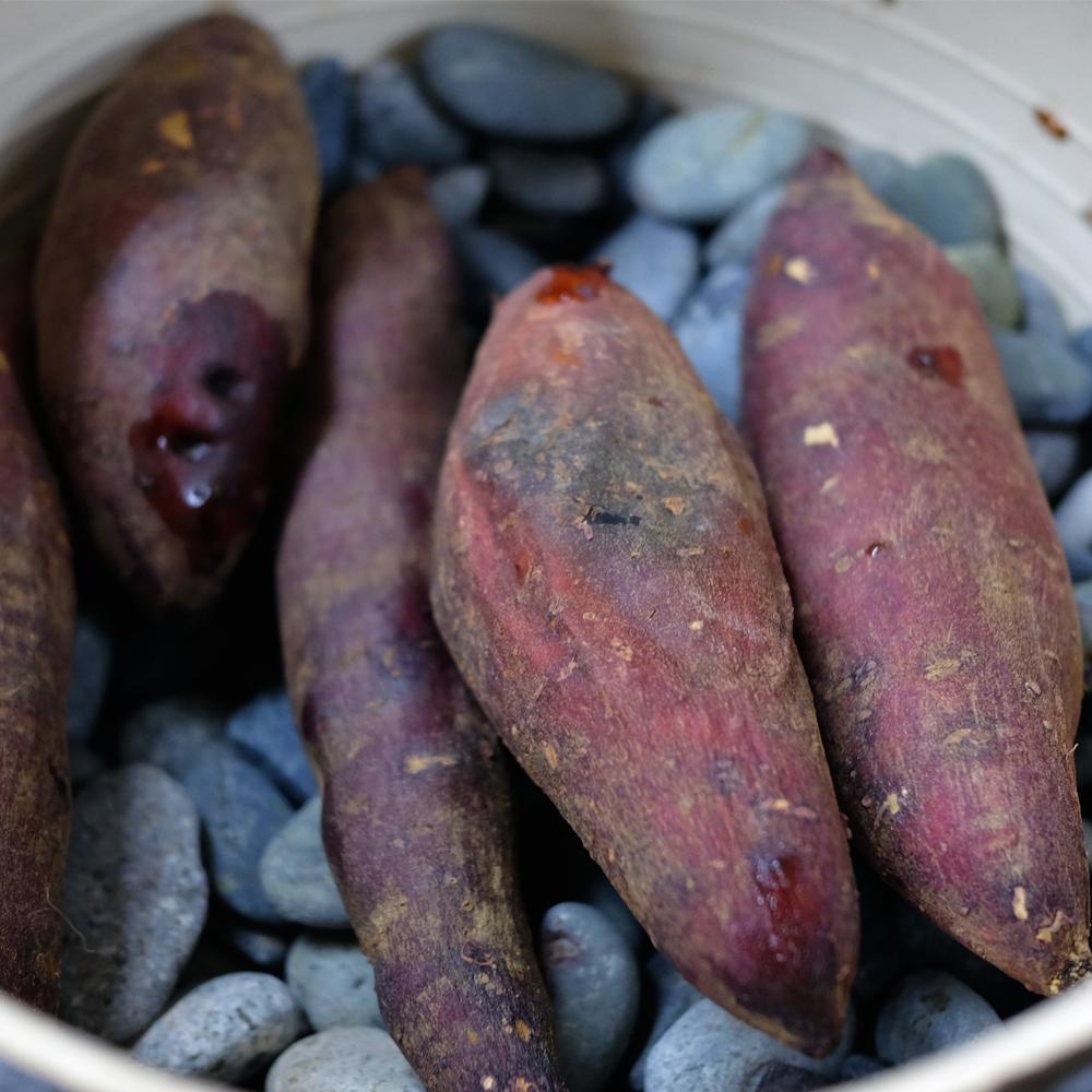 焼芋 焼き芋 焼芋用石 無塗装 1kg ハイクオリティ 焼き芋の石 1.2~2.5cm 全国送料無料 初売り