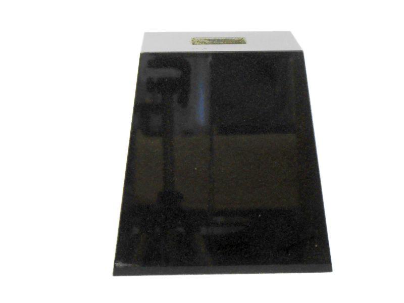 束石 黒御影石 磨き 5寸 20kg