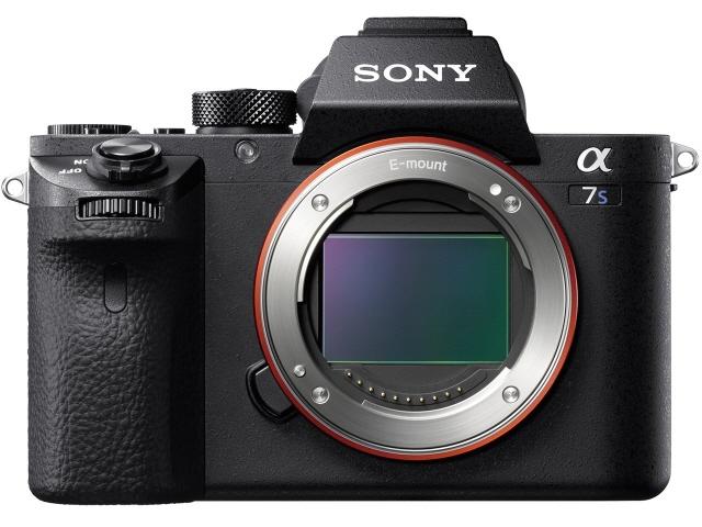 SONY デジタル一眼カメラ α7S II ILCE-7SM2 ボディ [タイプ:ミラーレス 画素数:1240万画素(総画素)/1220万画素(有効画素) 撮像素子:フルサイズ/35.6mm×23.8mm/CMOS 連写撮影/秒:5コマ 重量:584g]