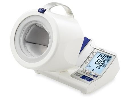 オムロン 血圧計 HEM-1011 [計測方式:上腕式(アームイン式) 電源:AC/乾電池 メモリー機能:2人×84回] 【】【人気】【売れ筋】【価格】
