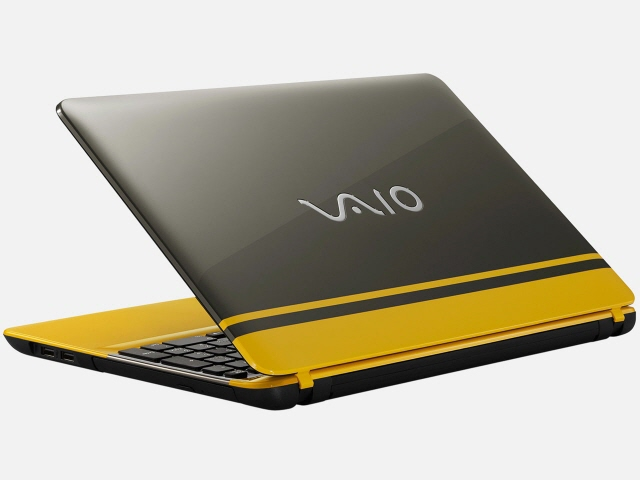VAIO ノートパソコン VAIO C15 VJC15190411Y [イエロー/ブラック] [液晶サイズ:15.5インチ CPU:Celeron Dual-Core 3215U(Broadwell)/1.7GHz/2コア CPUスコア:1642 ストレージ容量:HDD:1TB メモリ容量:4GB OS:Windows 10 Home 64bit]