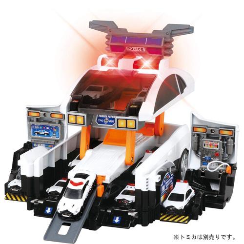 【送料無料!】 トミカ ビッグに変形! デカパトロールカー
