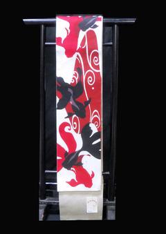 本麻長尺半巾帯 NO3夏向き涼しげな本麻の帯これからも季節にピッタリ!白地に大胆なBASARA赤と黒の金魚早い者勝ち