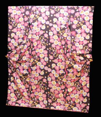 正絹小振袖着物 NO4出ました!出ました!渋いあずき色に細かいラメ入り地に可愛らしい八重桜の満開模様送料無料★新品同様【smtb-TD】【yokohama】【中古】