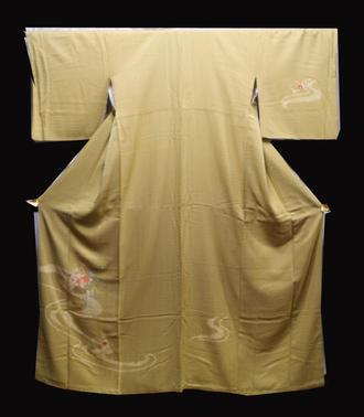 正絹付け下げきもの(K)仕立て上がり着物淡い黄緑色地に花籠 絞り 流水 金糸 刺繍 模様送料無料【中古】在庫処分