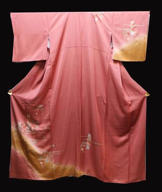 正絹付け下げきもの(L)仕立て上がり着物ローズピンク色地に霞に松竹梅の熨斗草花模様縫い紋1っ紋送料無料【中古】