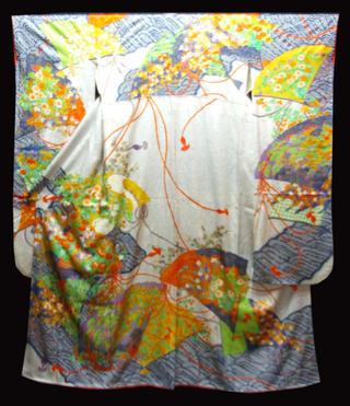 ★在庫処分中!正絹お振袖着物 NO8仕立て上がり着物白とブルーのたたき地に大きな扇に花いっぱい送料無料【smtb-TD】【yokohama】【中古】