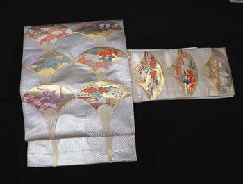 正絹九寸名古屋帯 NO7オフホワイト地にシルバーの水紋に六枚の扇模様お太鼓柄仕立て上がり帯送料無料