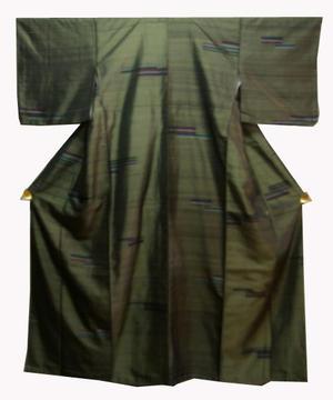 正絹紬きもの NO31ダーク・グリン地に横段モダン模様仕立て上がり着物送料無料【smtb-TD】【yokohama】【中古】