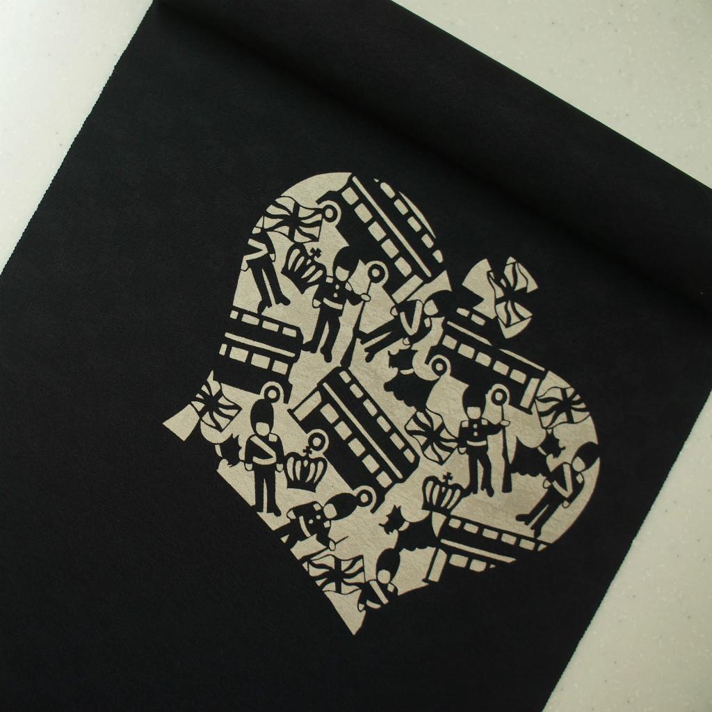 正絹紋意匠伊勢型染帯 イギリス ロンドン 染帯 黒色