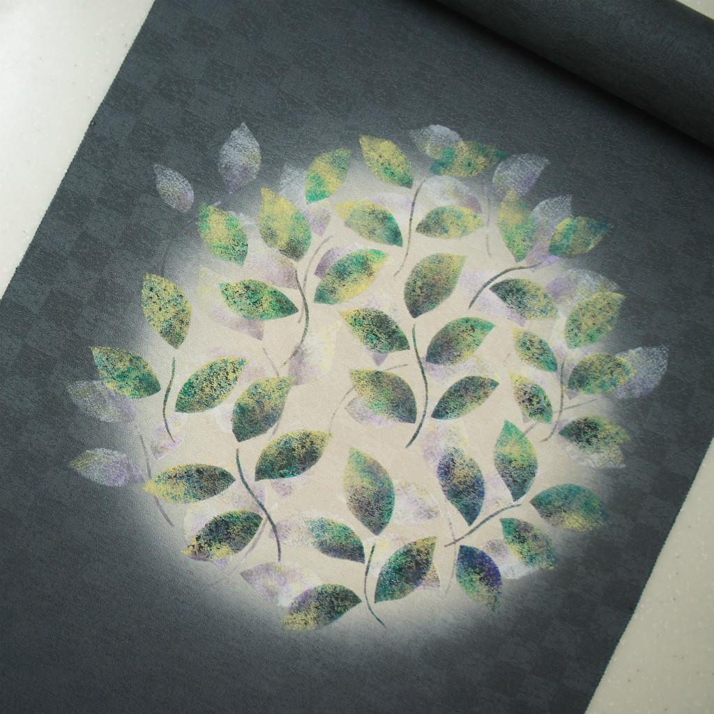 正絹紋意匠タタキ染帯 染帯 ダークグレー地 リーフ柄