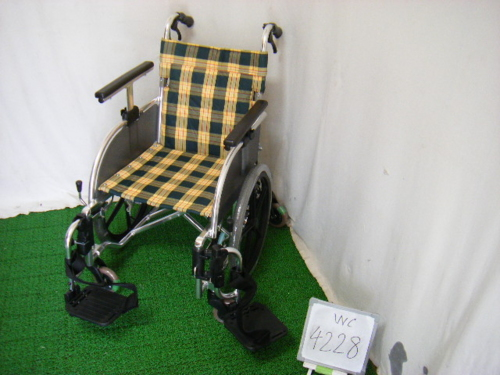 【中古車椅子】松永製作所 介助式車椅子 TT-02 (WC-4230)