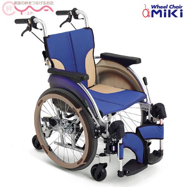 車椅子 折り畳み 【MiKi/ミキ SKT-500】 コンパクト 六輪車椅子 低座面 車いす 車イス くるまいす 介護用品 送料無料