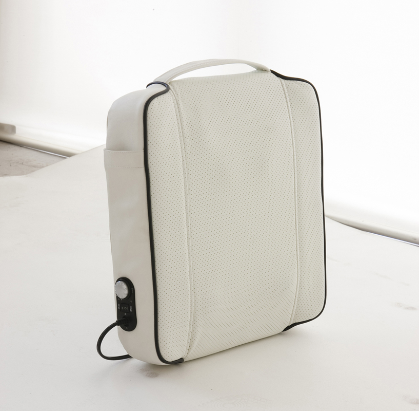 【送料無料】クロシオ 家庭用電気マッサージ器 CECILセシル(ホワイト)【セール特価】