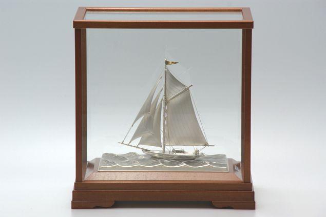 純銀製 置物 ヨット3号(1本マスト) 送料無料名入れ彫刻無料 伝統工芸士 武比古作の逸品です 結婚祝い 賀寿 長寿祝い 各種贈答用に最適ラッピング対応可・代筆無料 純銀銀製 銀製品 シルバー
