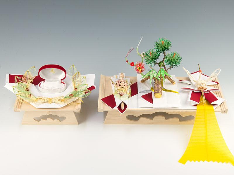 結納-略式結納品- 春日アレンジセット1【指輪飾り台付・白木台】(毛せん付)