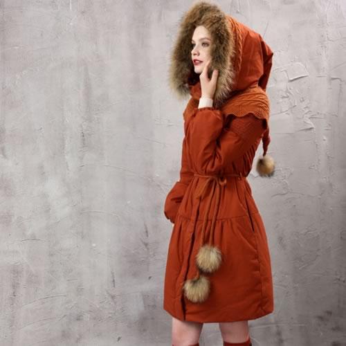 オリジナルデザイン 冬新作 大人可愛い ファーフード付き ウエストマーク 異素材MIX 童話風 コート ガーリー ミディアム丈 ひざ上丈 ニット オレンジ ファー付き 中綿 ロングコート