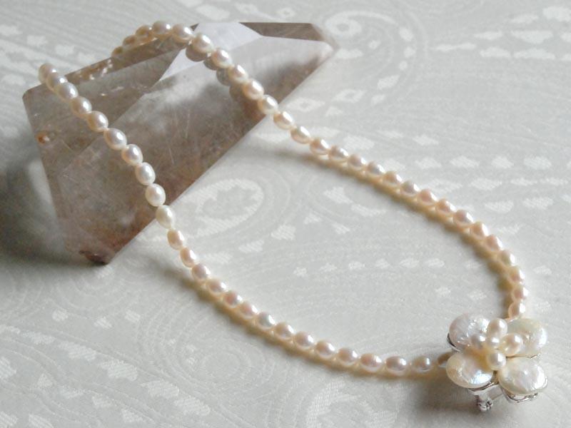 純白の淡水パール ブローチ兼用ペンダント